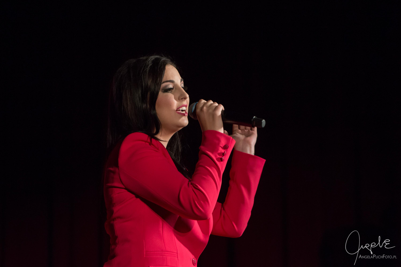 Sara Pach śpiewa Annę Jantar – Dwór Artusa 14 09 2017
